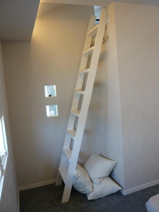 阪和展示場:寝室(梯子)