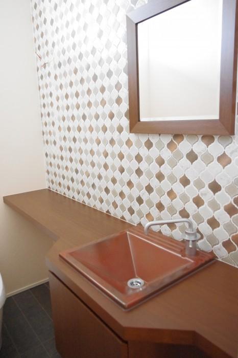 積水ハウス OHK展示場シャーウッド:トイレ 手洗いカウンター